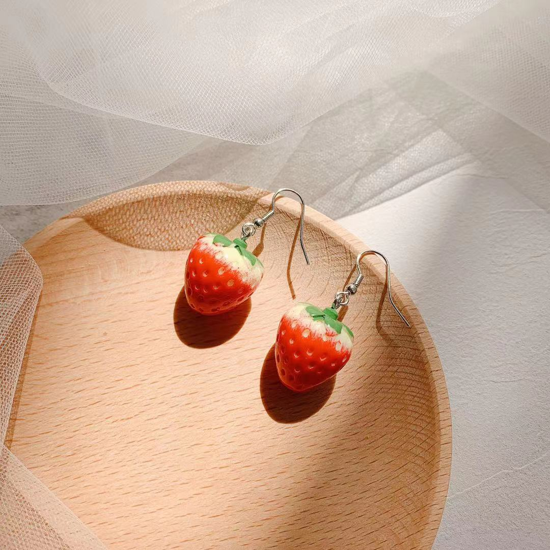 nifty girl fashion small strawberry cute student earring